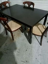 Table with 4 chairs  Houston, 77041