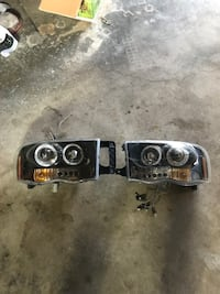 2004 Dodge Ram headlights