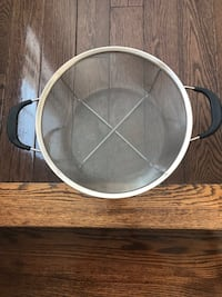 Mesh strainer net basket with handles