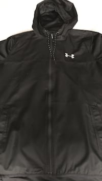 Black Under Armour zip-up hoodie lightweight jacket. Heat gear Size Large. Brand new, worn once Toronto, M2P 1B6
