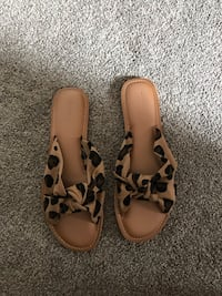 Knotted and twist leopard sandals Barrie, L4N 1T7