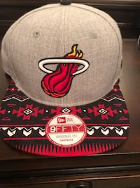 gray and red Chicago Bulls fitted cap Port Saint Lucie, 34952