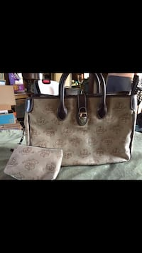 Dooney and Bourke Tote Los Angeles, 91402