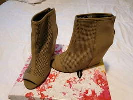 Juice Couture size 7.5