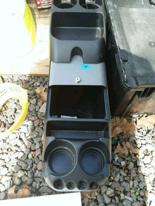 Middle console for ur car or trucks