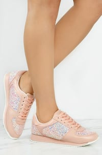 BRAND NEW LOLA SHOETIQUE CHIC LANE SNEAKERS  Coquitlam, V3C 4B9