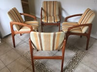 Set of 4 Mid century modern Teak dining chairs - steam cleaned- good condition Toronto, M2J 2Z7