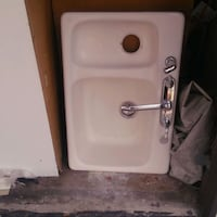 white ceramic sink with stainless steel faucet Carson, 90745