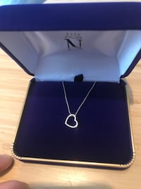 Nash jewellers white gold and diamond necklace  valued over $1,000.00.  Comes with receipt and warranty   Purchased as gift. Never given