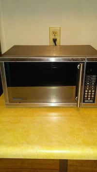 Stainless Steel Microwave Calgary, T2W 5A4
