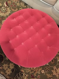 Red tufted ottoman/clean, no pets, smoke free home  North Augusta, 29860