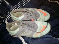 Size 8.5 Nike low-top sneakers Brent, 32505