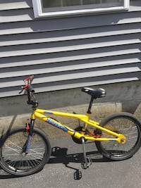 Yellow and black Horo BMX bicycle. Haro Fusion. bike is old school