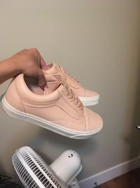 Vans leather old skools  Vancouver, V5P 3H5