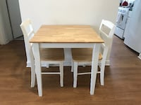 Table and Chairs (Good Condition) Arlington