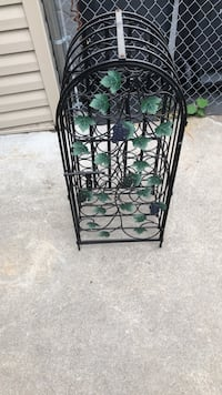 Grape vine themed wine rack Richfield, 55423