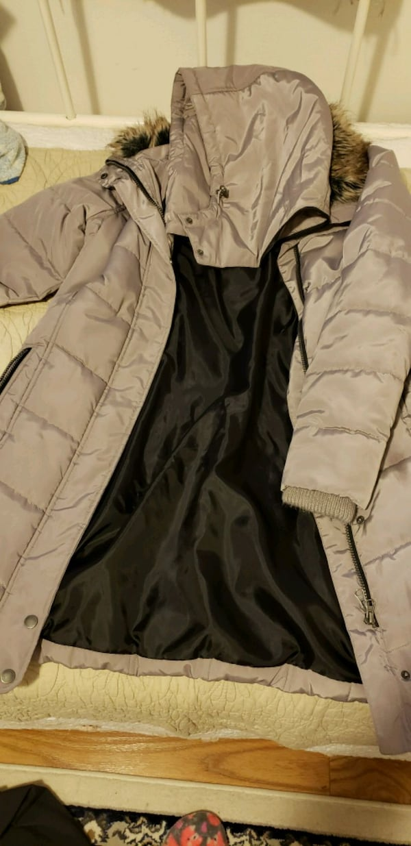 Winter coat  00f967fd-19f4-470b-a7e5-e9607b196d44