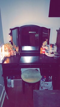purple wooden cabinet with mirror Houma, 70360