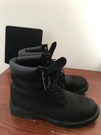Black Timbs Sz 10 Woodbridge, 22191