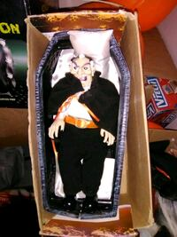 New dracula in coffin sits up 2ft Omaha, 68022