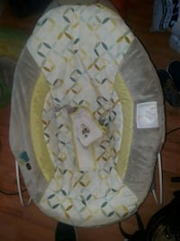 Bouncy seat w music Crofton, 21114