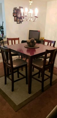 5pcs dining set Charles Town, 25414