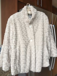 Scandinavian faux fur cropped coat Toronto, M2R 3N5