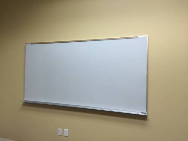 White Boards - different sizes 28da46a9-68c1-4824-9786-d6419abfe0a9