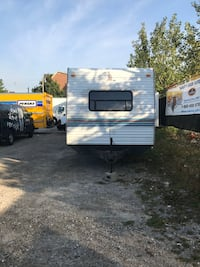 1998 mallard by fleetwood 33ft trailer Toronto, M5V 2A7