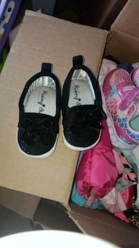 baby shoes size 4 Warren, 48089