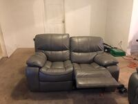 Recliner couch and love seat Oxon Hill