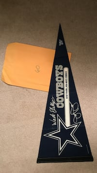 Dallas Cowboys Pennant with Wade Phillips and jerry Jones Signatures Plum, 15239