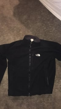 Black The north face fleece size large New Westminster, V3L 1V5