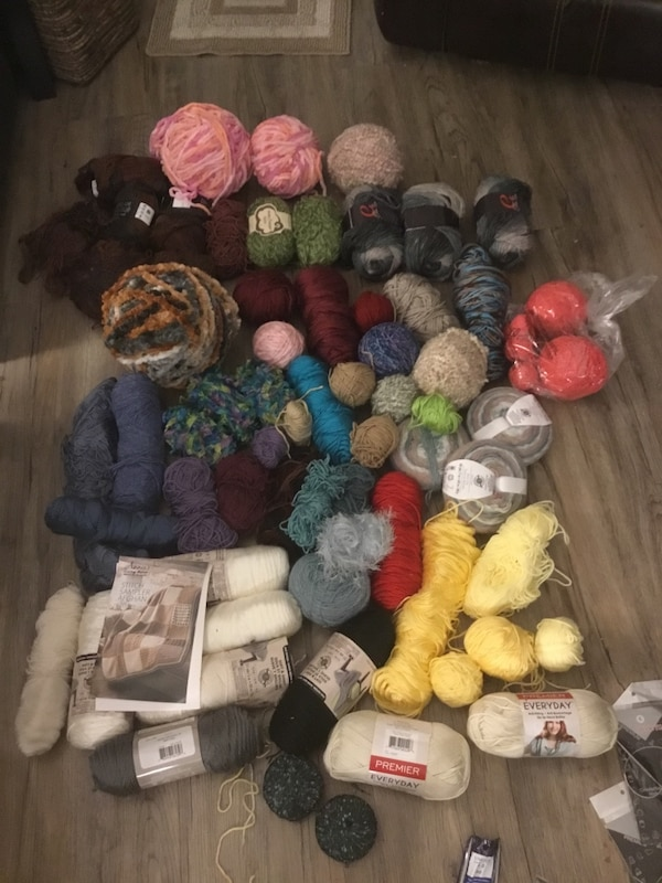 Collection of more than 60 balls of Wool, plus hardcover knitting book 7db874b9-8c1f-4d74-80c6-fc8cb38f83cf