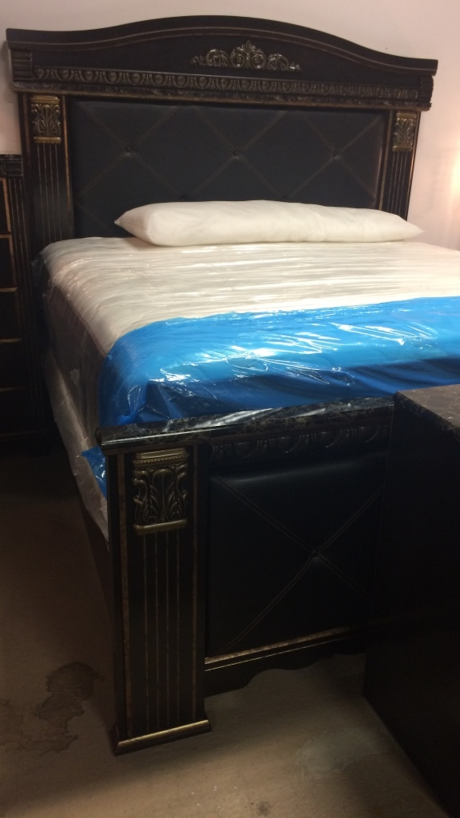 Used Ashley Bedroom Set In Philadelphia