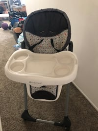 baby's white and black highchair Ventura, 93004