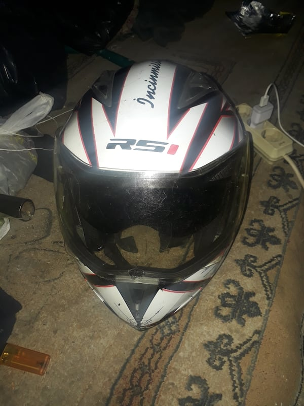 Kask 887a4660-22e7-4515-adf7-3563a3a88c55