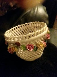 Antique China Rose basket made in Italy Lexington, 40503