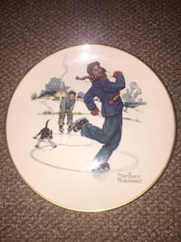 """Authentic Norman Rockwell """"Winter-Gay Blades"""" Plate White Plains, 10606"""