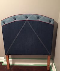 Single headboard Mississauga, L4X 1C9