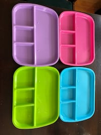 Kids plastic divided plates(4).
