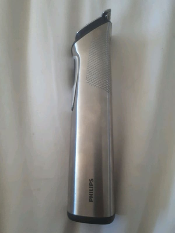 Phillips head trimmer/ beard trimmer  16716d70-1dcb-48f8-bfe1-db101c988900