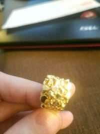 14kt Gold nugget ring (1100$ retail) Windsor, N8W 1C3