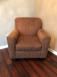 Brown and white fabric sofa chair Mount Juliet, 37122