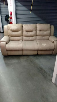 leather recliner couch Tampa, 33614