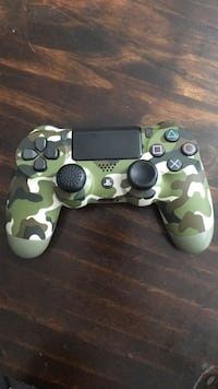 PS4 Green Camouflage Wireless Controller Hampton, 23665