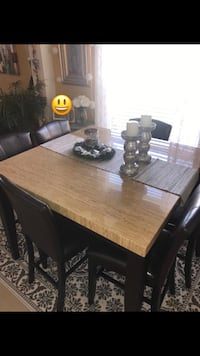 Dining table with chairs like new Orlando, 32828