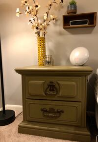 Distressed green end table/ nightstand Baltimore, 21231