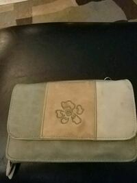 white, brown, and gray leather zip purse Edmonton, T5Z 3A9