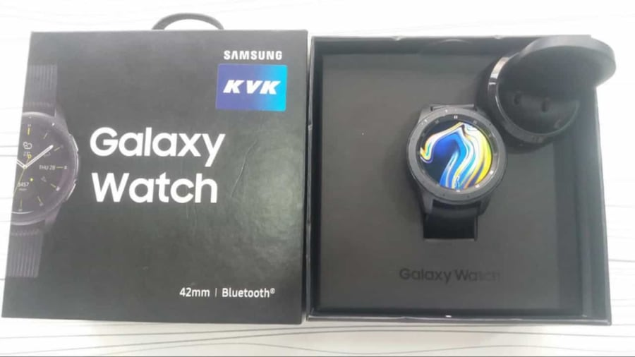 Samsung WATCH 42 mm faturalı GARANTİLİ  f68be438-6d38-4913-ade2-a1deffcd77b5